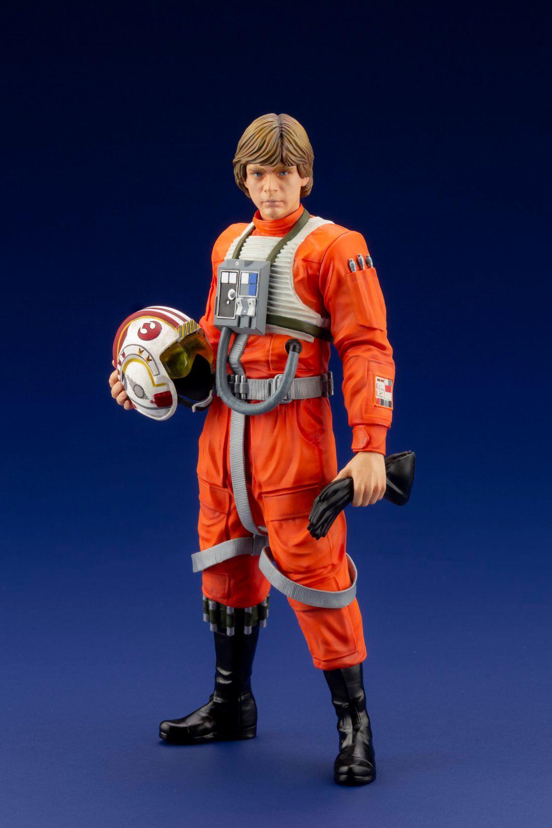 Koto Pilot Luke Statue 001